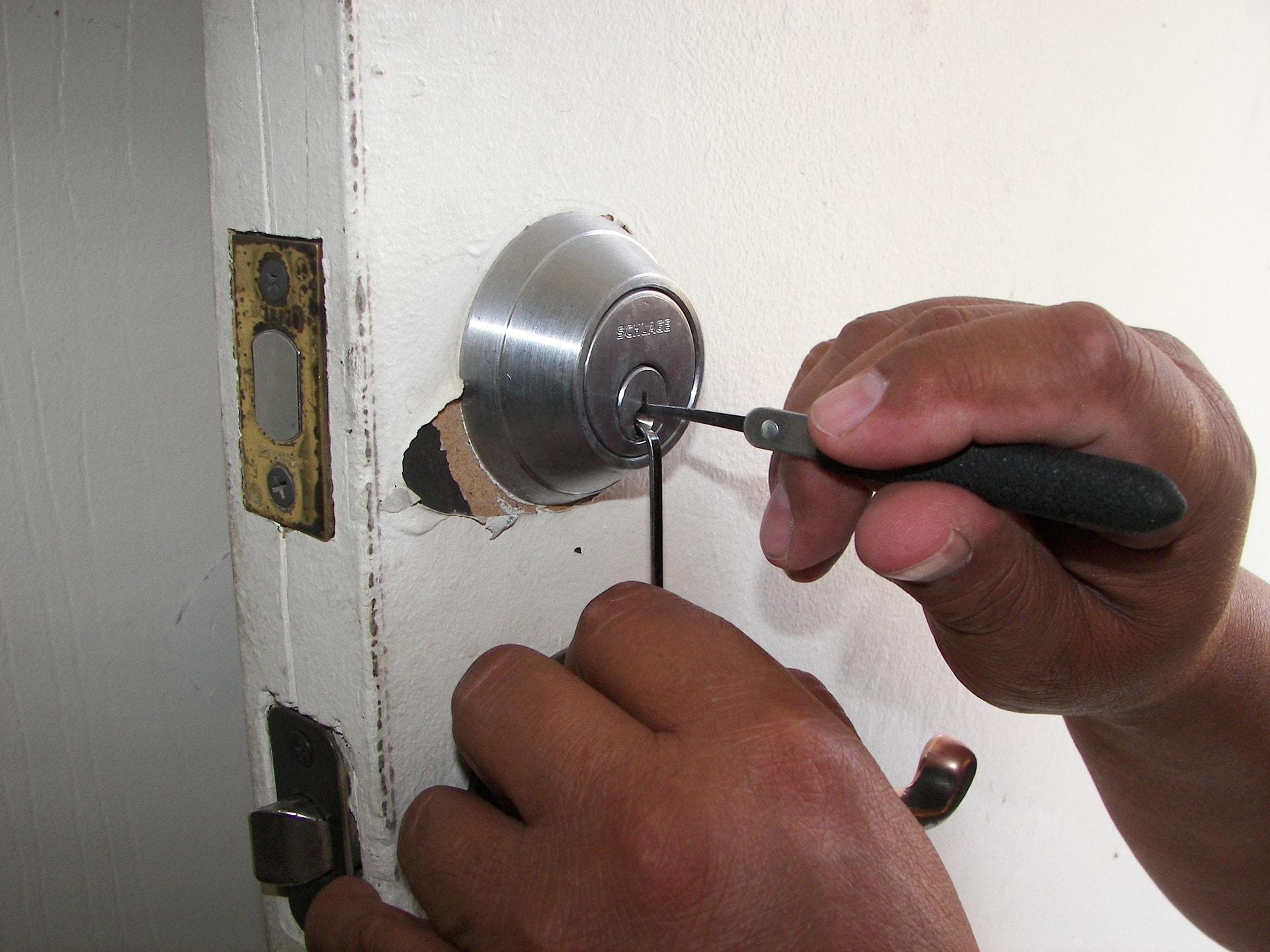 Riparazione serrature-min